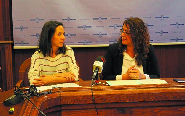 Sara Polo y Mónica Martínez presentaron ayer la campaña impulsada por Save The Children./