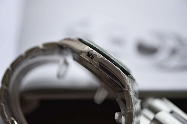 Replica Rolex 116520LV Left Case