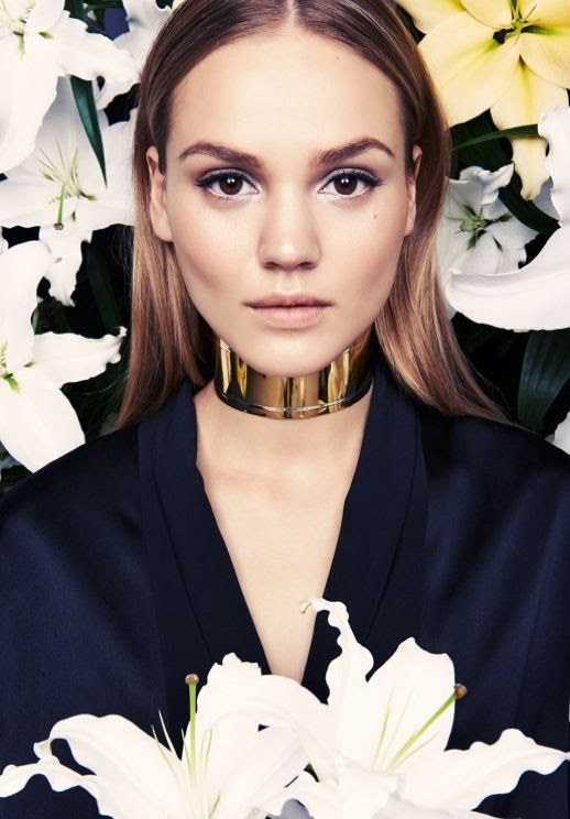 LE FASHION BLOG BEAUTY POST SI STYLE MAGAZINE POESIE IM PORTRAIT BEAUTY EDITORIAL CENTER PART STRAIGHT HAIR GOLD GIVENCHY CHOKER CUFF NECKLACE SATIN TUXEDO LOOSE TOP WHITE FROSTED EYESHADOW SHAPED BROWS EYEBROWS FLORALS FLOWERS ROSES Photographer: Chris Tribelhorn Models: Solange - Marilyn Olivia - Model Management Make up: Monica Spisak Hair: Rachel Bred Nails: Linda Sigg 1 photo LEFASHIONBLOGBEAUTYPOSTSISTYLEPOESIEIMPORTRAIT1.jpg