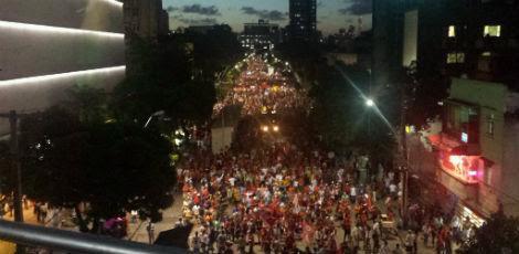 Multidão saiu às ruas do Recife para se manifestar favoravelmente ao ex-presidente Lula / Foto: Paulo Veras/JC