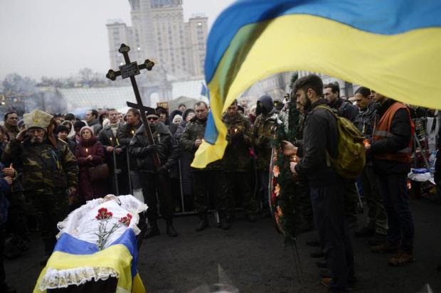 Forças Armadas da Ucrânia entram em estado de alerta; Ban Ki-moon pede calma BULENT KILIC/AFP