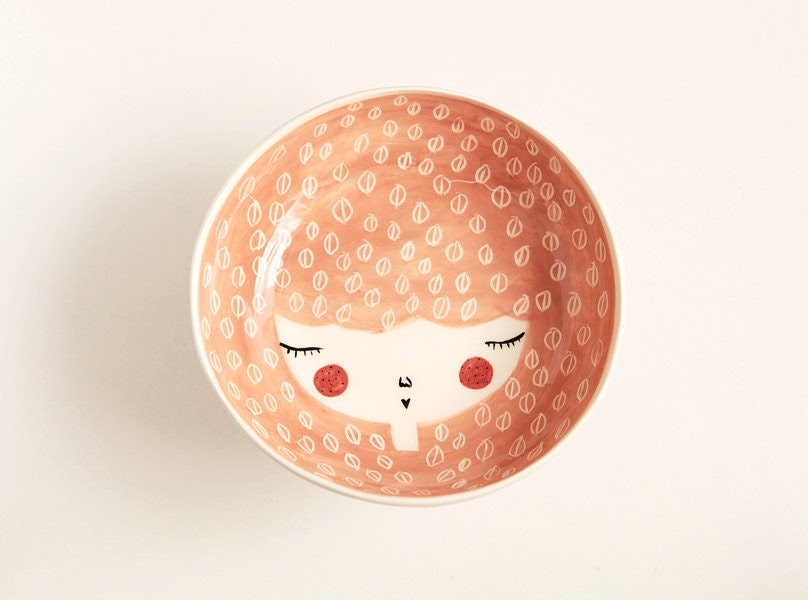Ceramic serving bowl with character in Peach colour - handmade and unique - face illustrated bowl - MADE TO ORDER - MarinskiHandmades