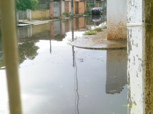 Rua Alagada em Parnamirim (Foto: Lenice Maria/cedida)