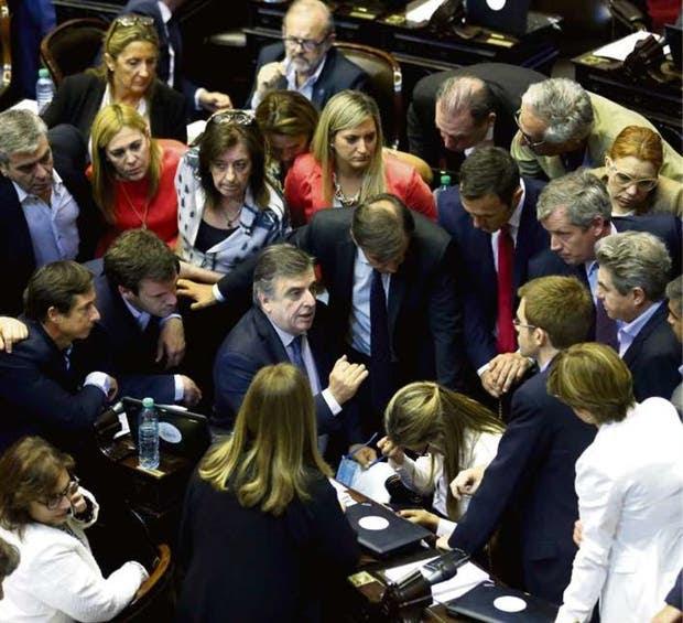 Las sesiones en la Cámara de Diputados obligaron a negociaciones permanentes
