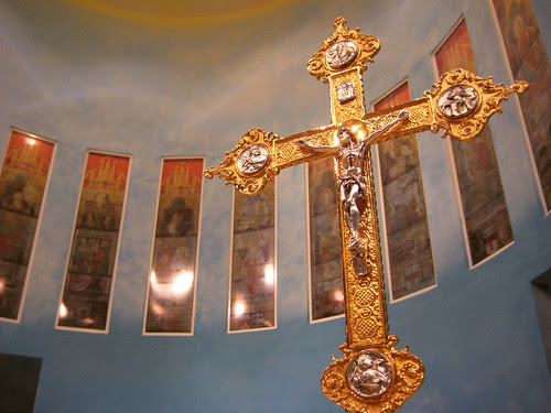 Cross in the Catholic Church in Qatar