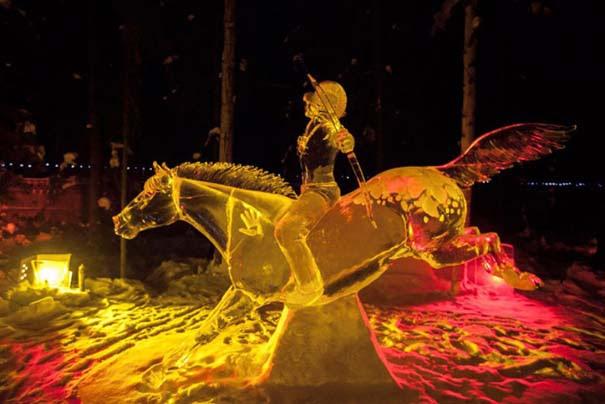 Εκπληκτικά έργα τέχνης από ένα κομμάτι πάγου (18)