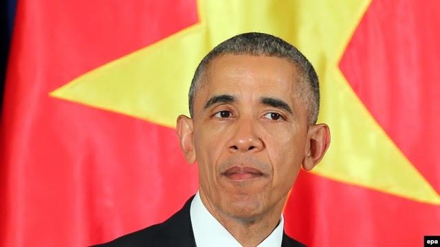 Tổng thống Obama phát biểu tại một cuộc họp báo ở Hà Nội, ngày 23/5/2016.