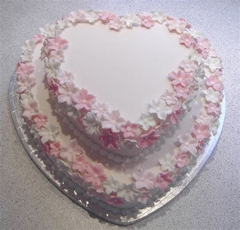 """Heartshaped Wedding Cakes """" Love Cake Ideas """"   Food and Drink"""