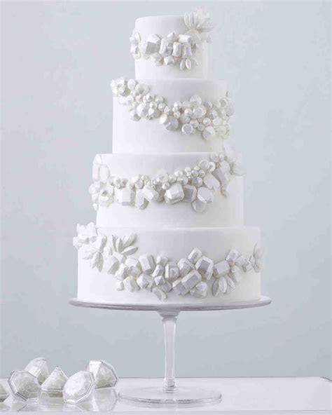 104 White Wedding Cakes That Make the Case for Going