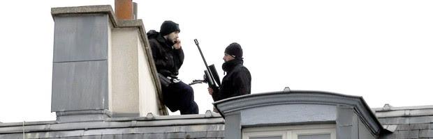 SIGA: países da Europa fazem reuniões e ampliam segurança após ataques em Paris (SIGA: países da Europa fazem reuniões e ampliam segurança após ataques em Paris (SIGA: países da Europa fazem reuniões e ampliam segurança após ataques em Paris (Jacques Brinon/AP)))