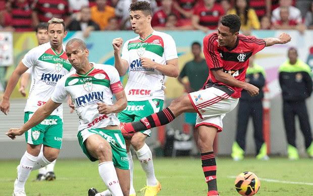 Hernane jogo Flamengo x Portuguesa (Foto: Jorge William / Ag. O Globo)