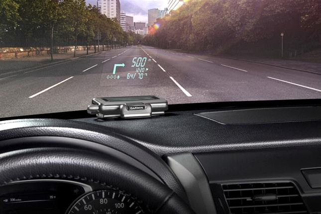 Los GPS se renuevan con proyectores para el parabrisas