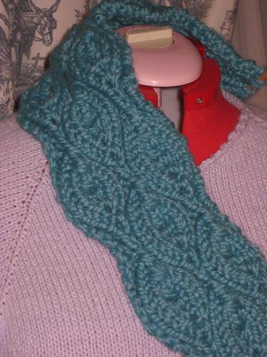 ye ol wives tale scarf chunky november 30 2008 001