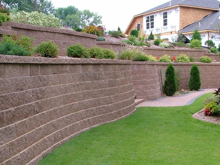 Back Yard Retaining Wall
