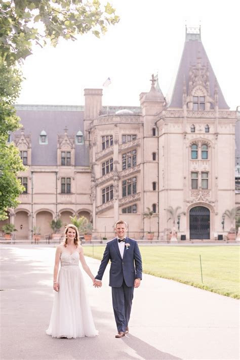Laura and Bradley's Biltmore Estate Elopement   Intimate