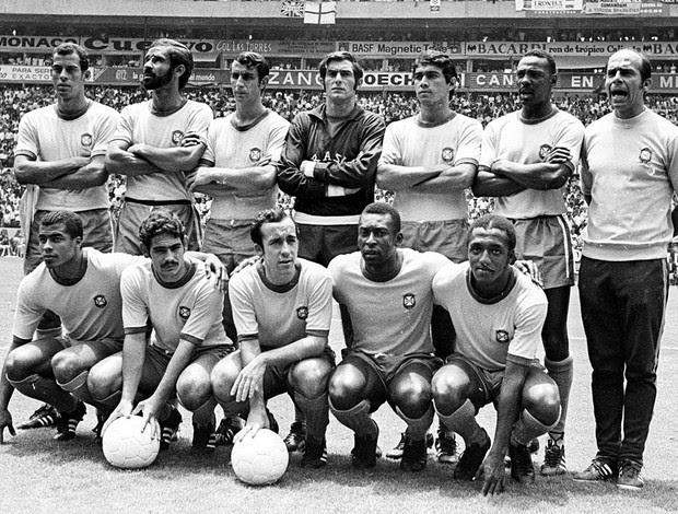 Felix posado com a seleção na copa de 1970 (Foto: Agência Estado)
