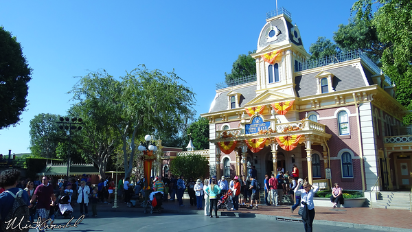 Disneyland Resort, Disneyland, City Hall