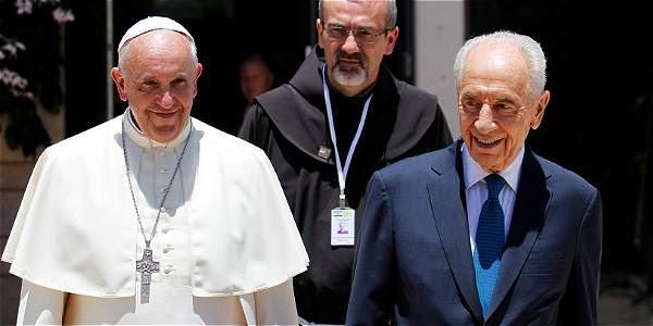 El papa Francisco y El presidente israelí Shimon Peres.