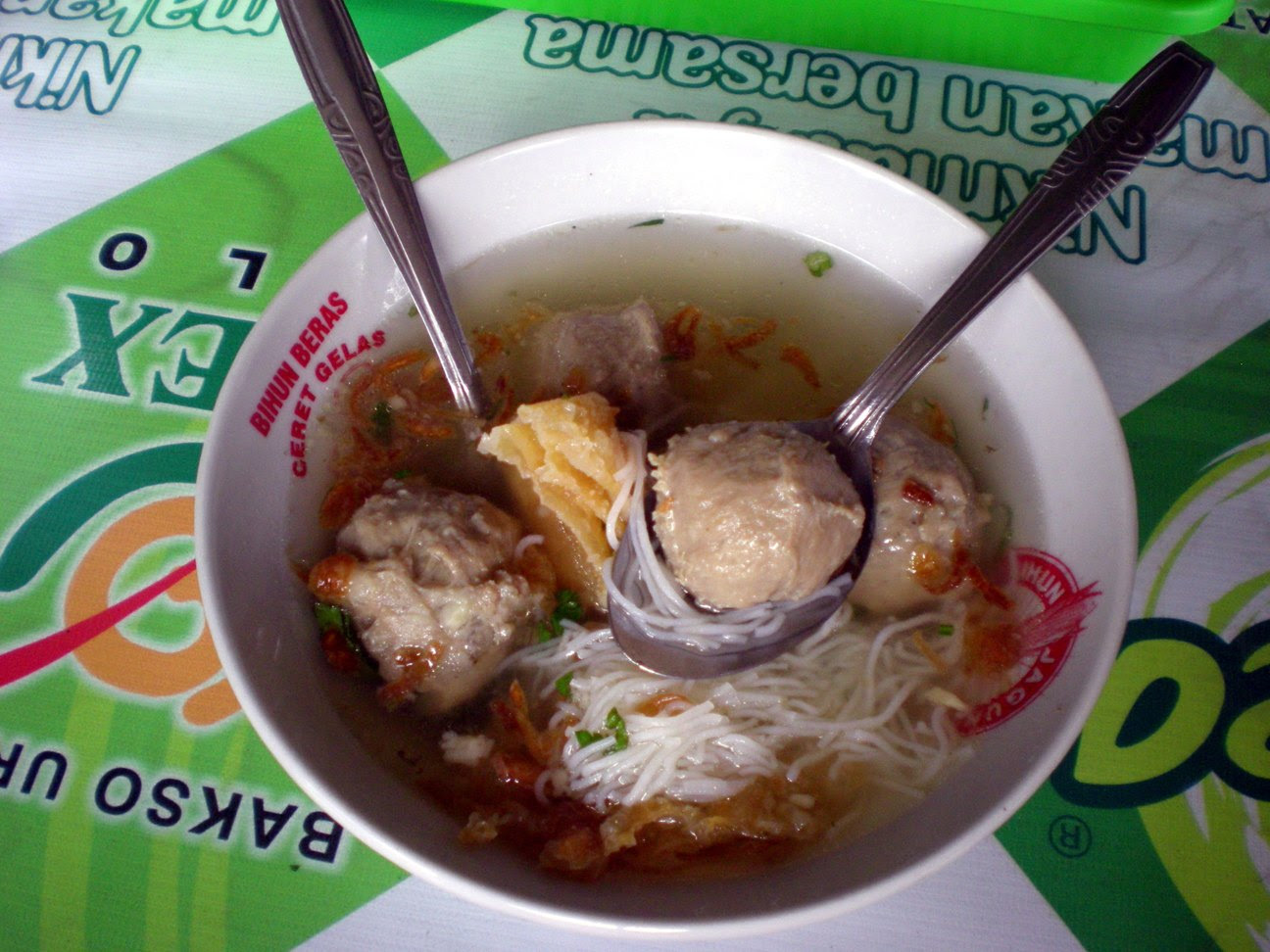 http://pakdearie.files.wordpress.com/2013/01/bakso2balex.jpg