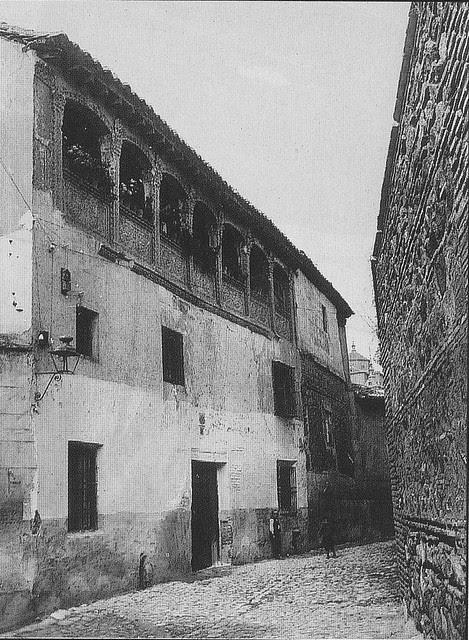 Palacio de los Niño (linaje Añover y Arcos) en el callejón de San Lorenzo de Toledo a principios del siglo XX. Foto Rodríguez