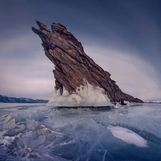 Παγωμένη λίμνη Baikal στη Σιβηρία (17)