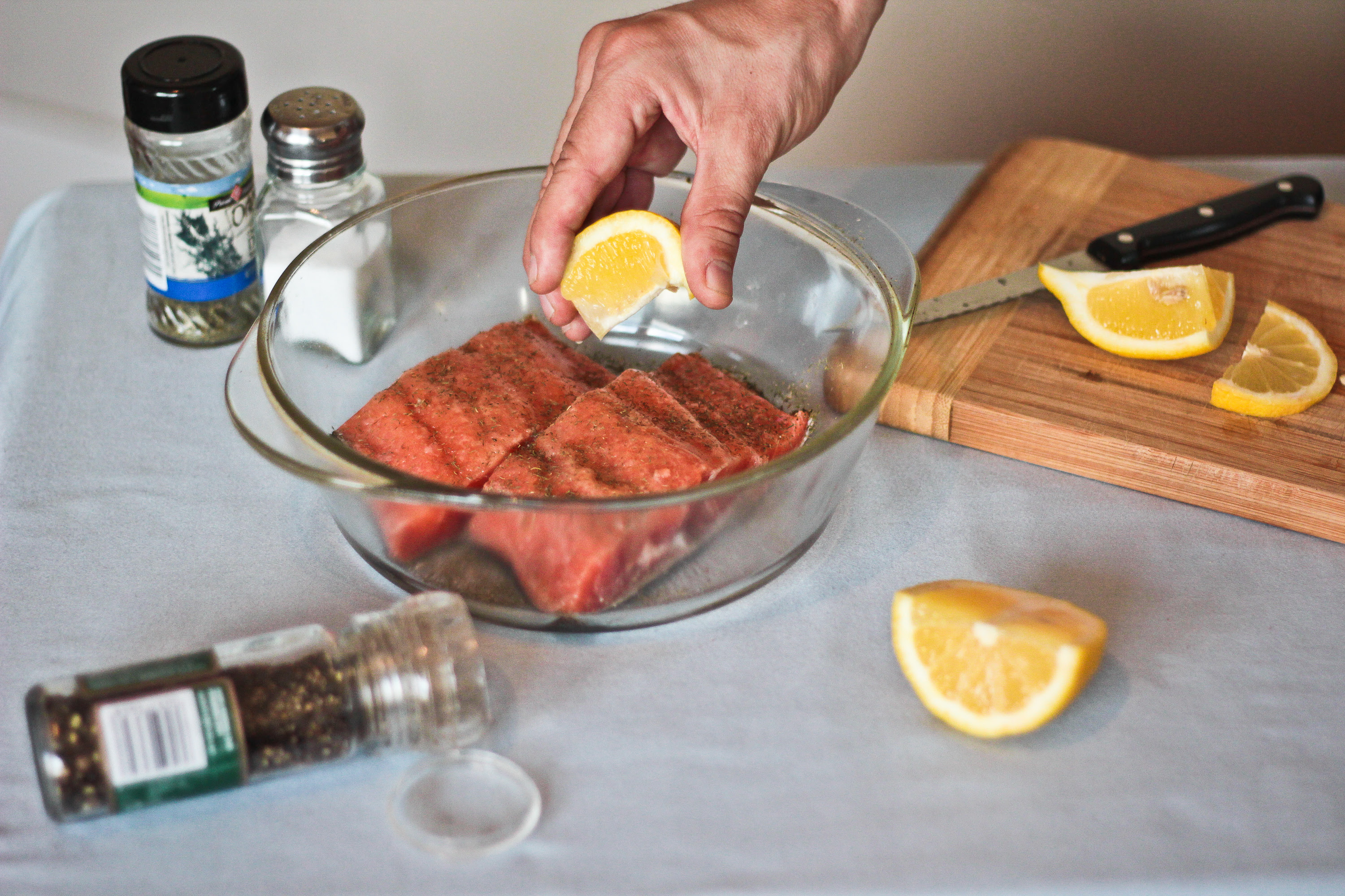 How to Cook Frozen Salmon Without Thawing in the Oven ...