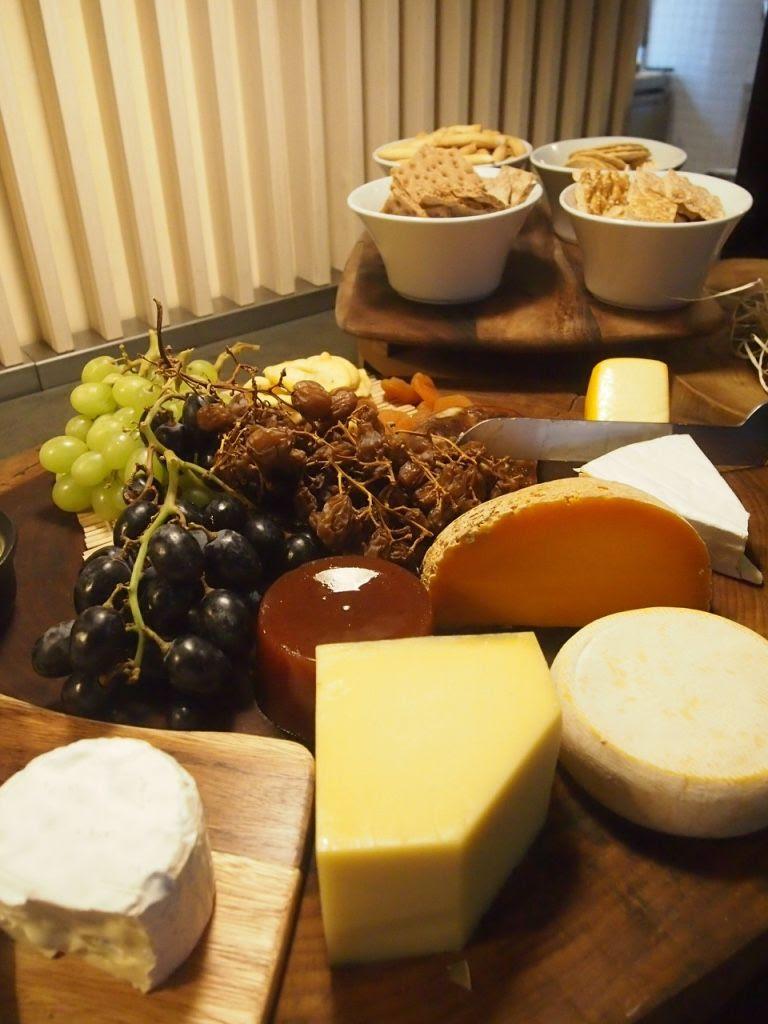 photo The Carvery Cheeses Park Hotel Alexandra 2.jpg
