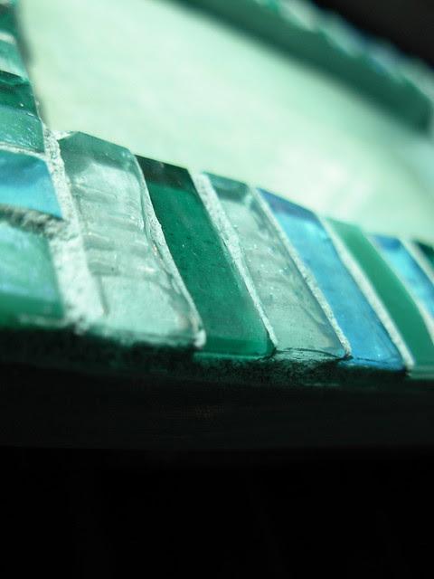 47  58/365  corner glass
