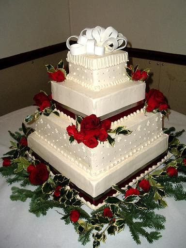 Decorative Art Used with Christmas Wedding Cakes