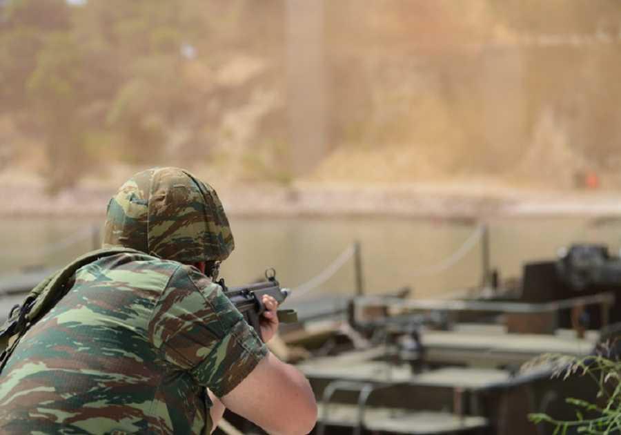 Σημαντική τροπολογία για τη βαθμολογική εξέλιξη των γυναικών στον στρατό