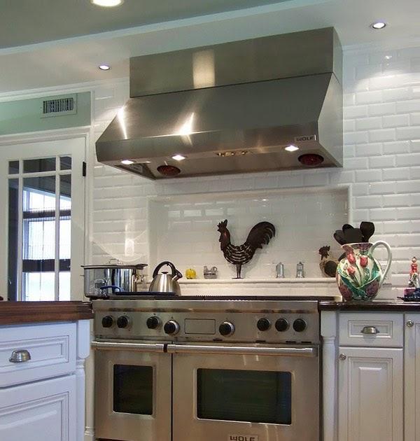 The Wonder Of The Freestanding Kitchen: White Kitchen With Professional Range