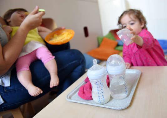 La crèche de l'hopital Necker à Paris accueille les frères et sœurs des enfants hospitalisés ainsi que ceux du quartier.