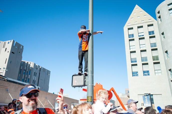 Denver Broncos desfile campeão Super Bowl 50 (Foto: Getty Images)