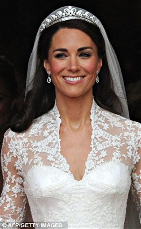 Kate Middleton and Isabella Orsini wedding dresses