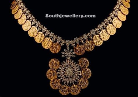 hyderabad jewellery     studded with diamonds. Designed