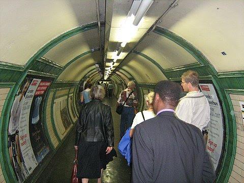 London 1 015
