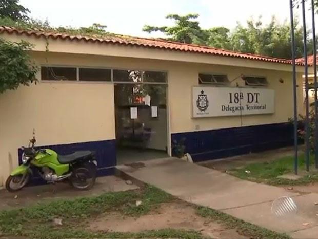 Presos fugiram da delegacia de Camaçari (Foto: Reprodução/TV Bahia)