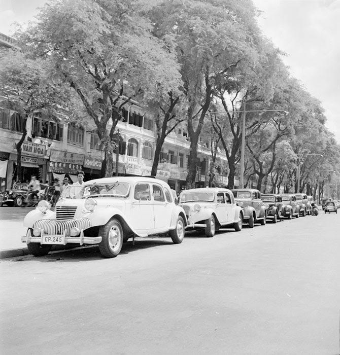 Стоянка такси 1950 Неиз