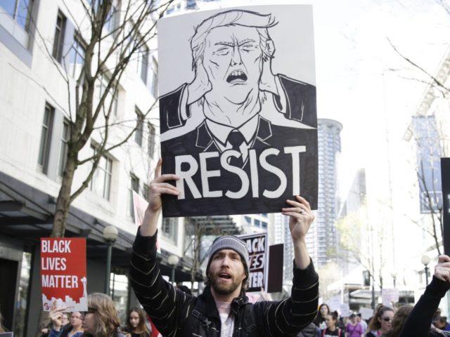 Resist sign (Jason Redmond / AFP / Getty)