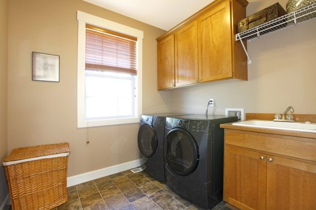 laundry-cupboards-room