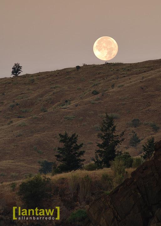 Nagsasa Moonset (Full moon)