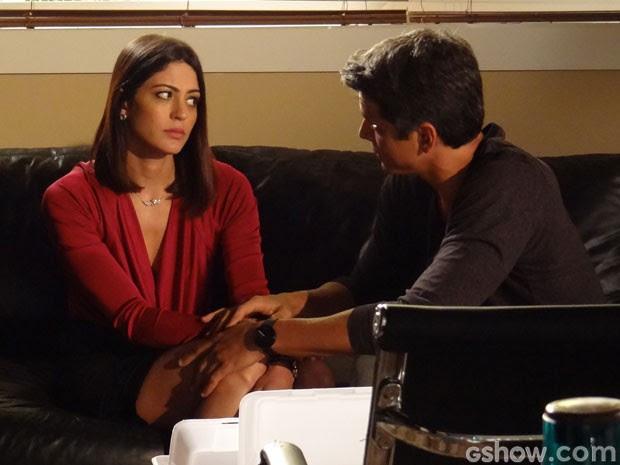 Guto diz para Silvia parar de perseguir a inimiga (Foto: Amor à Vida/Tv Globo)