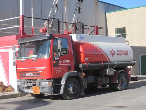 Iveco Eurocargo amb cuba a Ripoll (Ripollès)