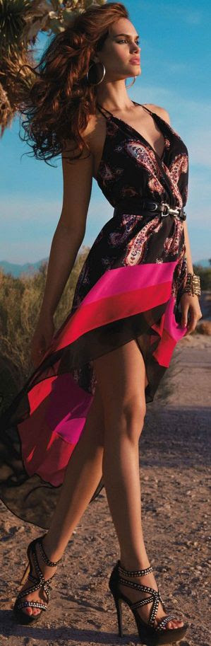 I want this one!!! it's got a little something of Desigual!!!