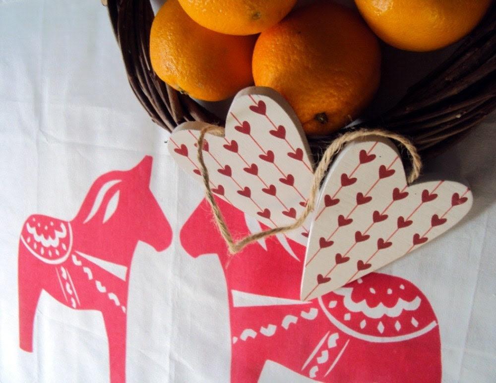 Organic cotton dala horse tea towel red