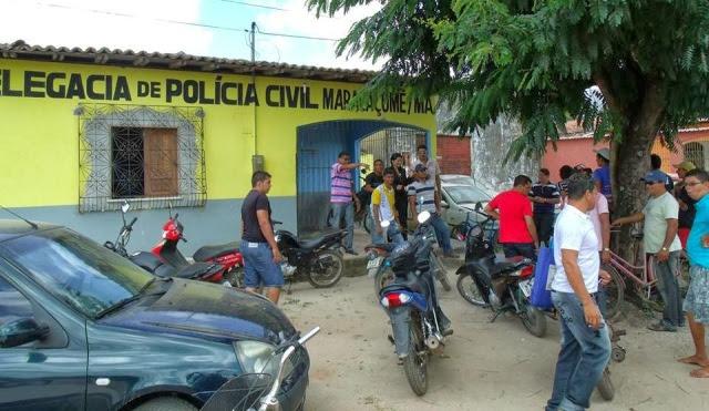 Movimentação em frente a Delegacia de Maracaçumé