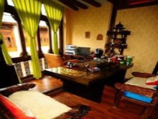 Price Lijiang Ancient City Ayutaya Hostels