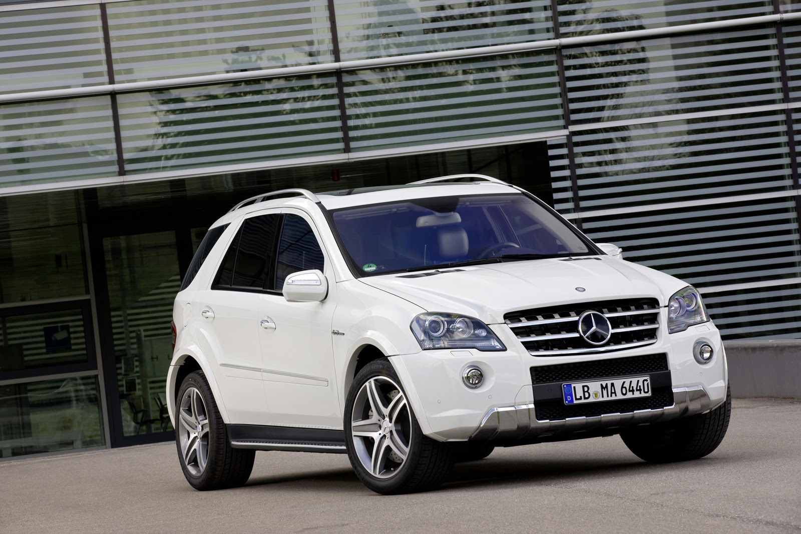2011 Mercedes-Benz ML63 AMG Preview