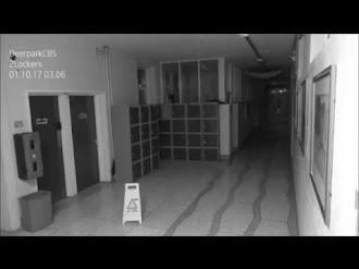 Ghost caught on camera? / Fantasma Captado en Colegio de Irlanda.