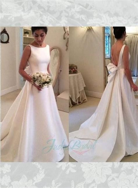 Simple but chic Ivory satin v shape low back bridal gown